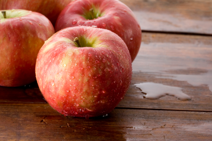 Europeans and Canadians Enjoy Antibiotic-Free Organic Apples and Pears, So Why Can't We?